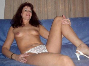 Yolenne bester escort in Essen, NW